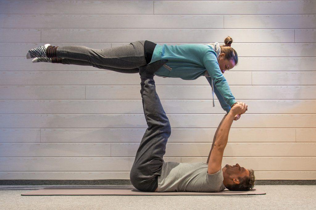 Acro-yoga gyakorlat