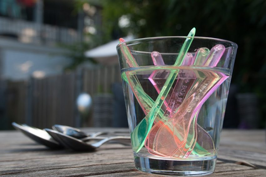 5+1 műanyag tárgy, amire tulajdonképpen nincs is szükségünk – avagy elstartolt a műanyagmentes július