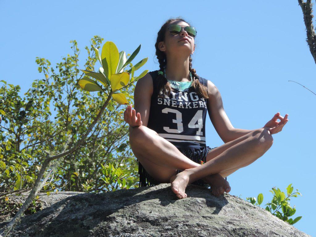 Feltöltődés relaxációval